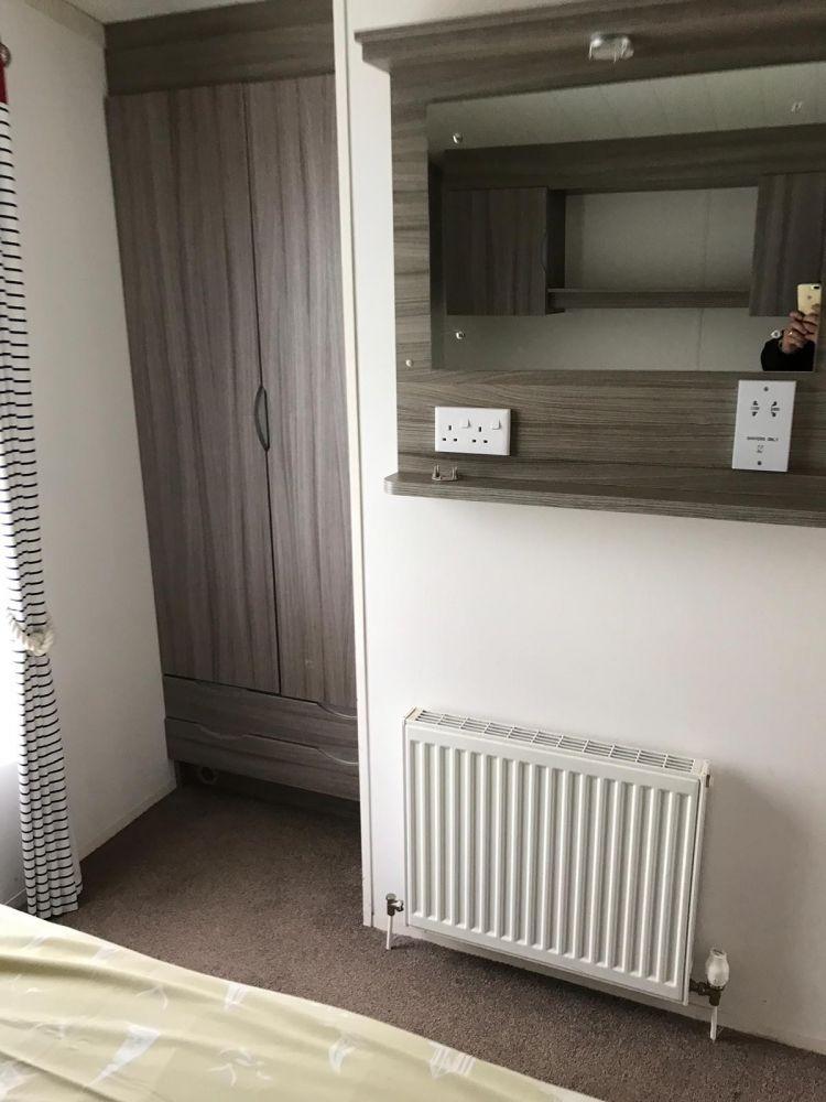Swift - 2014 Swift Burgundy 28ft x 12ft - 2 Bedroom